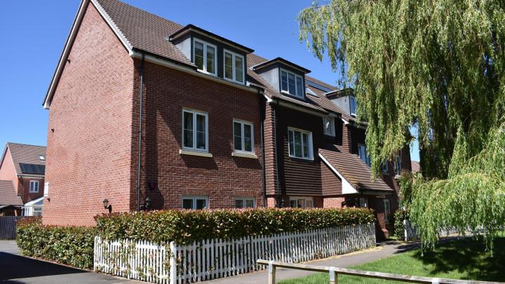 Flat 16 Oaktree Gardens