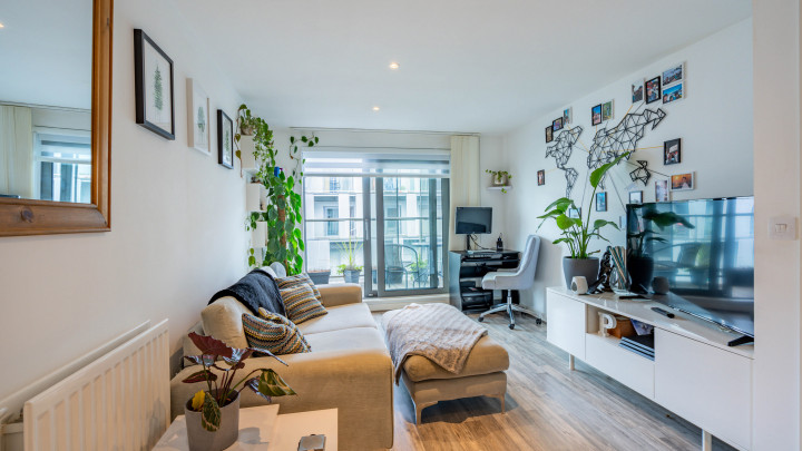 East Carriage House, Royal Carriage Mews, London, SE18 6GG